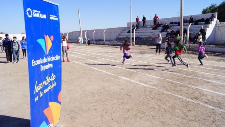 Cinco mil chicos de toda la provincia practican deportes gracias a las EID