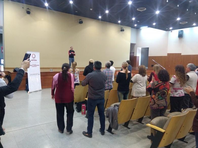 El programa Aprender a Emprender capacitó a directores y profesores de escuelas