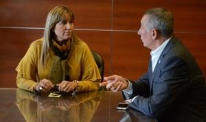 Ministra Alejandra Venerando y titular del PAMI, Sergio Cassinotti