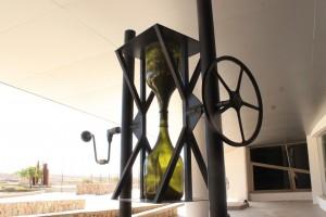 Bitácora en botella, una obra de arte creada con desechos en el Centro Anchipurac